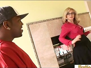 Gorgeous shemale in stockings toying her ass